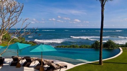 Villa Jagaditha Beachfront, Canggu | 6 Bedroom Villas Bali