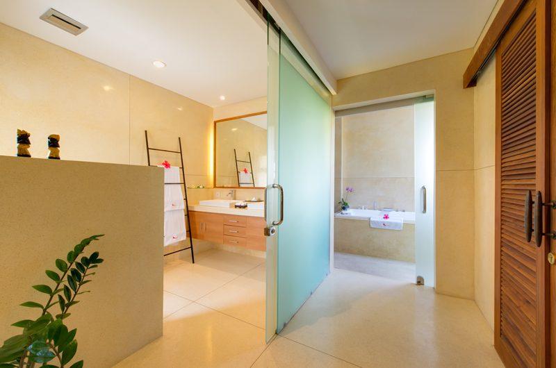Villa Kinaree Estate En-Suite Bathroom, Seminyak | 6 Bedroom Villas Bali