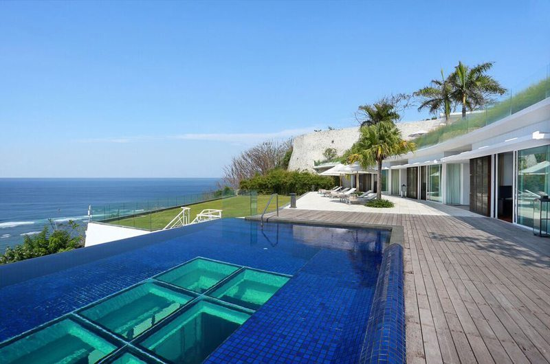 Villa Latitude Bali Swimming Pool, Uluwatu | 6 Bedroom Villas Bali