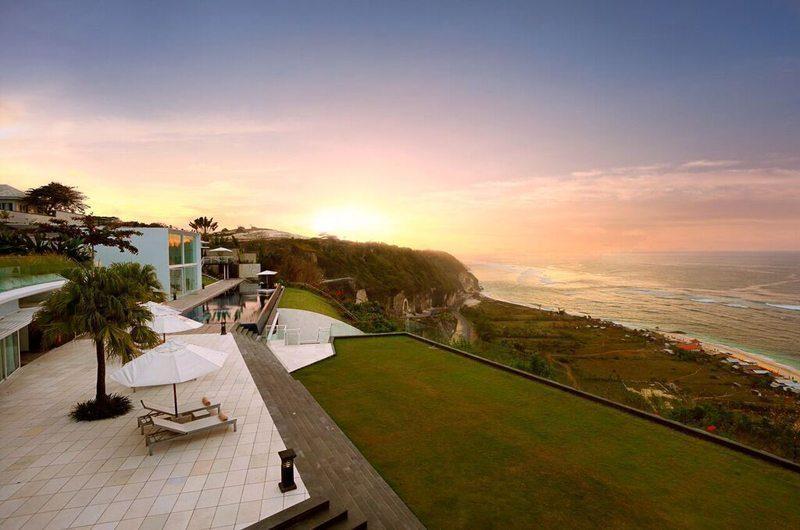 Villa Latitude Bali Beachfront, Uluwatu | 6 Bedroom Villas Bali