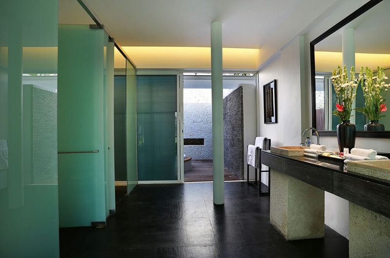 Villa Latitude Bali En-Suite Bathroom, Uluwatu | 6 Bedroom Villas Bali