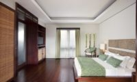 Villa Lilibel Bedroom with Wooden Floor, Seminyak | 6 Bedroom Villas Bali