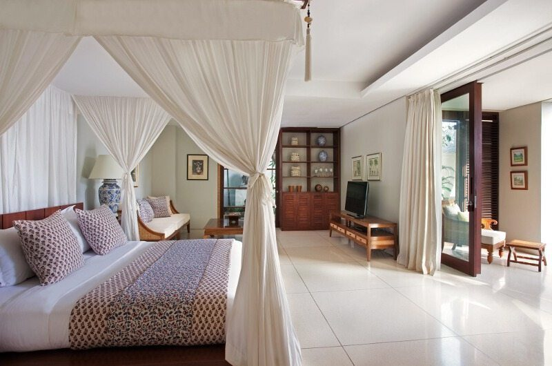 Villa Lilibel Bedroom and Balcony, Seminyak | 6 Bedroom Villas Bali