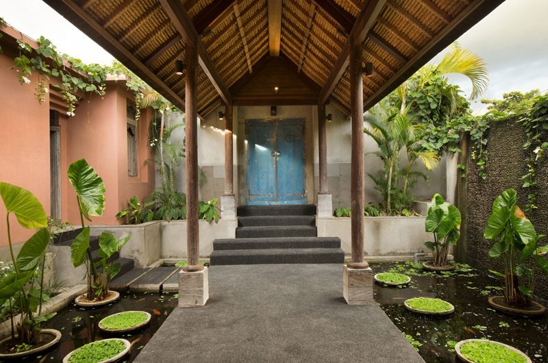 Villa Mamoune Entrance, Umalas | 6 Bedroom Villas Bali
