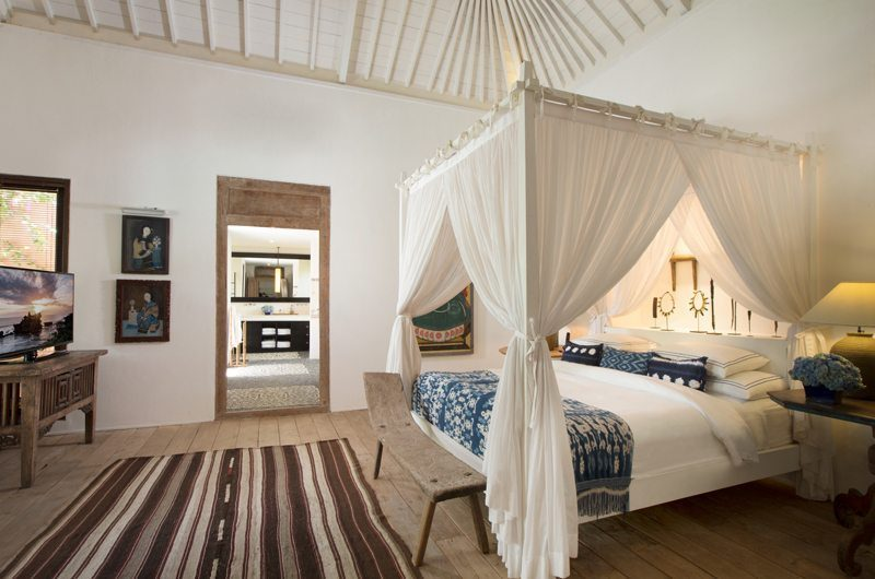 Villa Mamoune Bedroom with TV, Umalas | 6 Bedroom Villas Bali