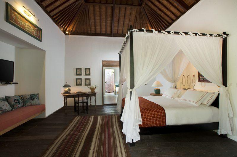 Villa Mamoune Bedroom with Sofa, Umalas | 6 Bedroom Villas Bali
