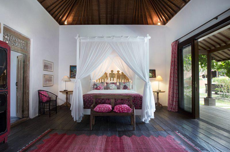 Villa Mamoune Bedroom with Wooden Floor, Umalas | 6 Bedroom Villas Bali