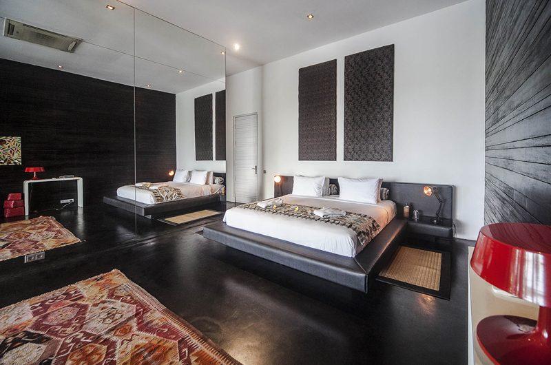 Villa Mana Bedroom with Mirror, Canggu   6 Bedroom Villas Bali