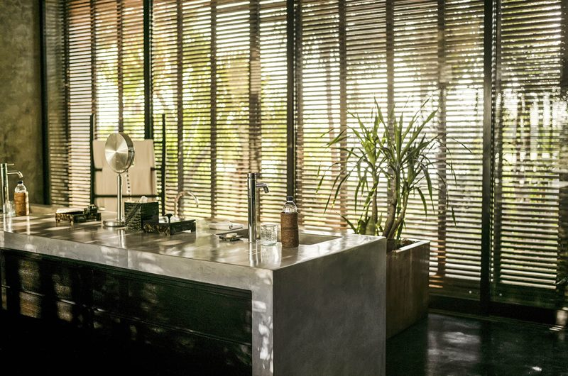 Villa Mana En-Suite Bathroom with Bathtub, Canggu   6 Bedroom Villas Bali