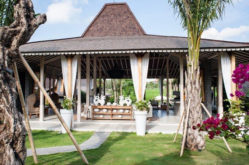 Villa Mannao Outdoor Area, Kerobokan | 6 Bedroom Villas Bali
