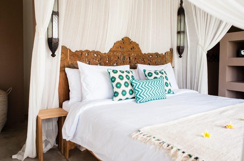Villa Mannao Four Poster Bed, Kerobokan | 6 Bedroom Villas Bali