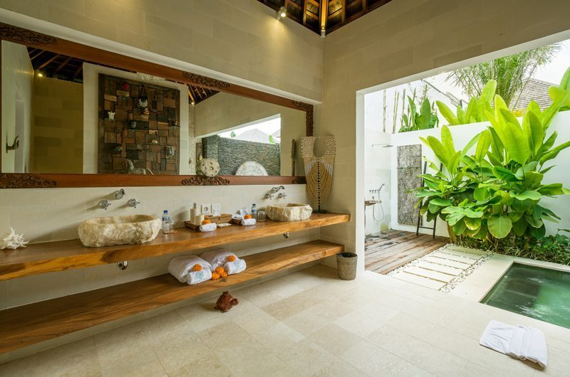 Villa Naty En-Suite His and Hers Bathroom, Umalas | 6 Bedroom Villas Bali