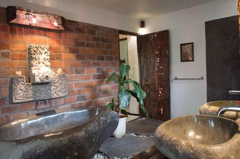 Villa Phinisi En-Suite Bathroom, Seminyak | 6 Bedroom Villas Bali