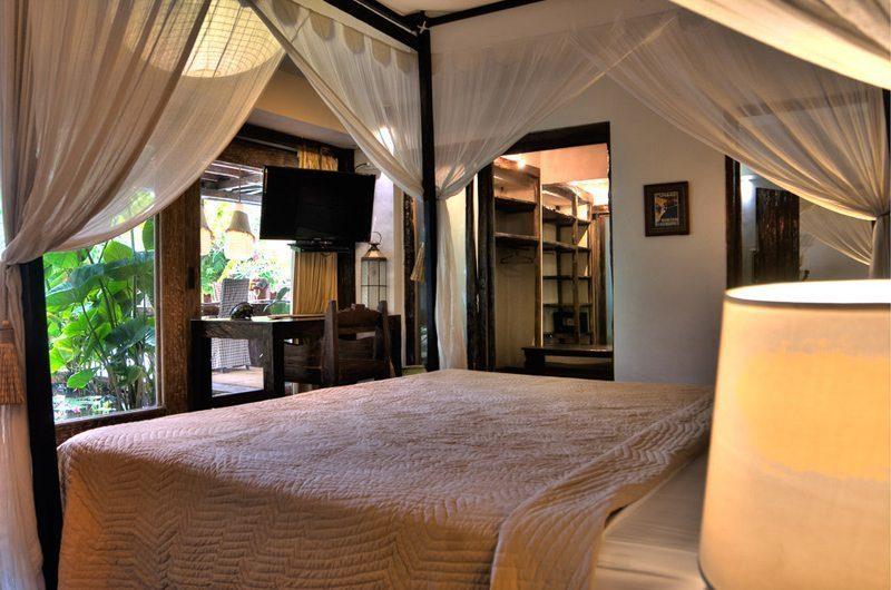 Villa Phinisi Four Poster Bed, Seminyak | 6 Bedroom Villas Bali