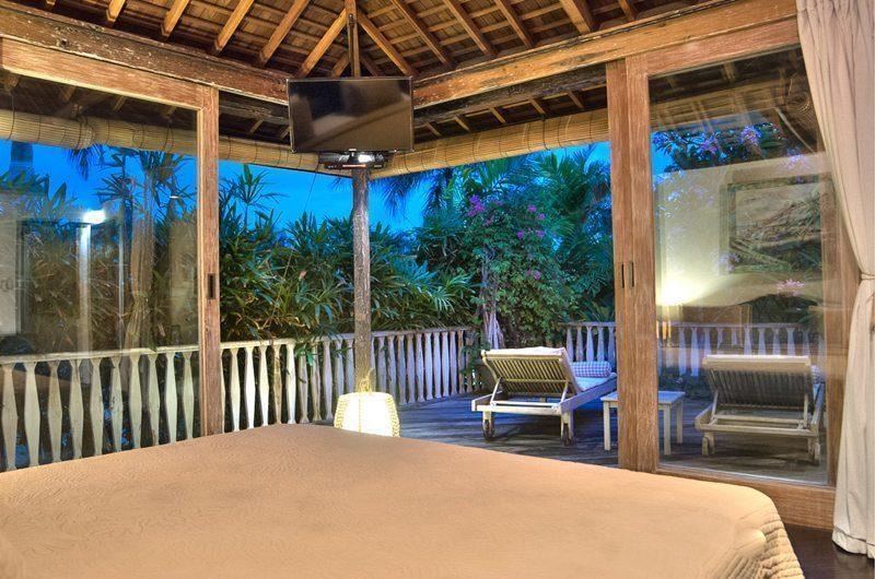 Villa Phinisi Bedroom and Balcony, Seminyak | 6 Bedroom Villas Bali