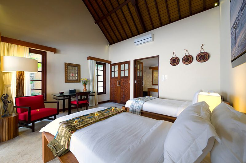 Villa San Twin Bedroom with Study Table, Ubud | 6 Bedroom Villas Bali