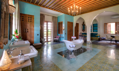 Villa Sayang D'Amour En-Suite Bathroom with Bathtub, Seminyak | 6 Bedroom Villas Bali