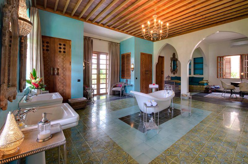 Villa Sayang D'Amour En-Suite Bathroom with Bathtub, Seminyak   6 Bedroom Villas Bali