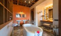 Villa Sayang D'Amour Bathroom with Bathtub, Seminyak | 6 Bedroom Villas Bali