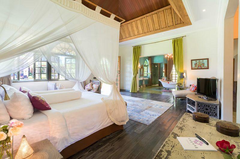 Villa Sayang D'Amour Bedroom and En-Suite Bathroom, Seminyak   6 Bedroom Villas Bali