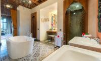 Villa Sayang D'Amour En-Suite Bathroom, Seminyak | 6 Bedroom Villas Bali