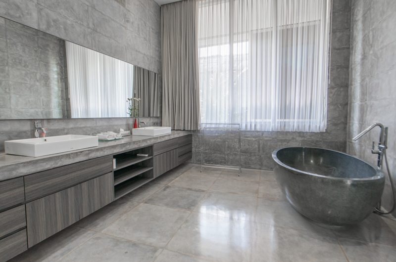 Villa Simpatico His and Hers Bathroom with Bathtub, Seminyak | 6 Bedroom Villas Bali