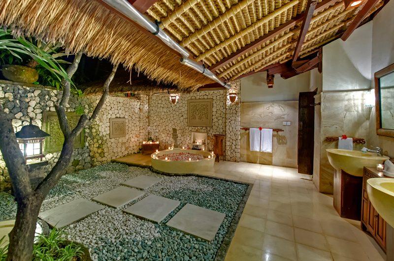 Villa Sungai Tinggi Semi Open Romantic Bathtub Set Up, Pererenan | 6 Bedroom Villas Bali