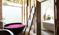 Villa Sungai Tinggi Romantic Bathtub Set Up, Pererenan | 6 Bedroom Villas Bali