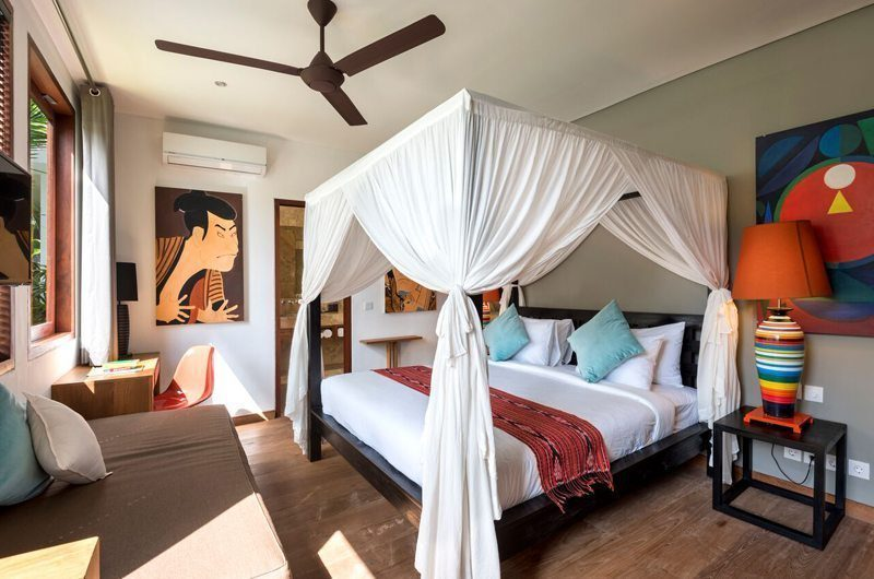 Villa Tangram Bedroom with Sofa, Seminyak | 6 Bedroom Villas Bali