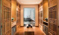 Villa Tiga Puluh Walk-In Wardrobe, Seminyak | 6 Bedroom Villas Bali