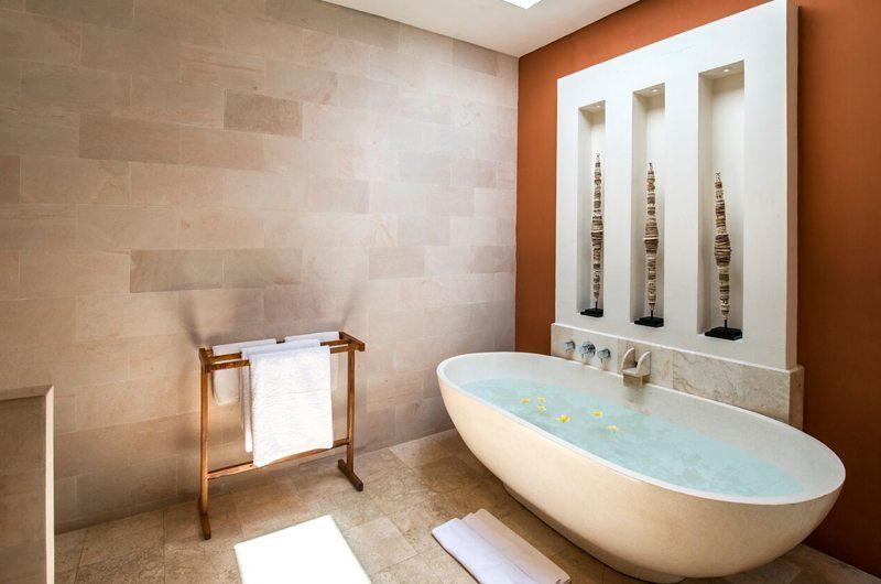 Villa Tiga Puluh Bathtub, Seminyak | 6 Bedroom Villas Bali