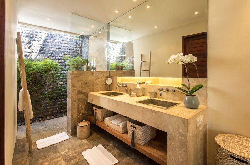 Villa Tiga Puluh His and Hers Bathroom, Seminyak | 6 Bedroom Villas Bali
