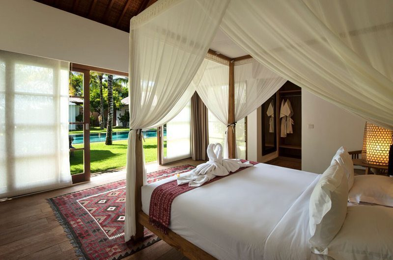 Villa Tiga Puluh Four Poster Bed, Seminyak | 6 Bedroom Villas Bali