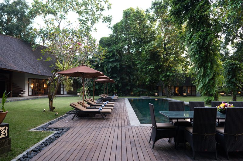 Villa Tirtadari Sun Loungers, Umalas | 6 Bedroom Villas Bali