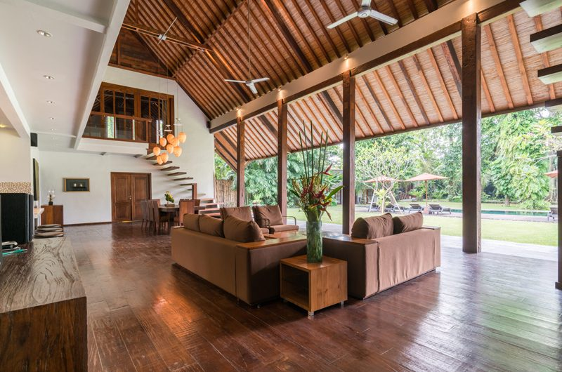 Villa Tirtadari Living and Dining Area, Umalas | 6 Bedroom Villas Bali