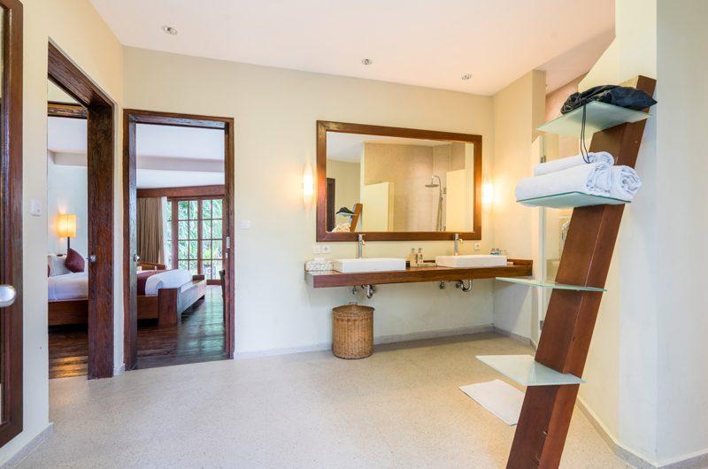 Villa Tirtadari His and Hers Bathroom, Umalas | 6 Bedroom Villas Bali