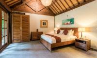 Villa Tirtadari Bedroom with Table Lamps, Umalas | 6 Bedroom Villas Bali