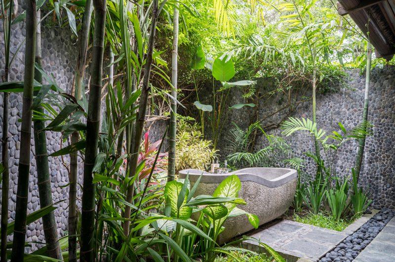 Villa Tirtadari Outdoor Bathtub, Umalas | 6 Bedroom Villas Bali