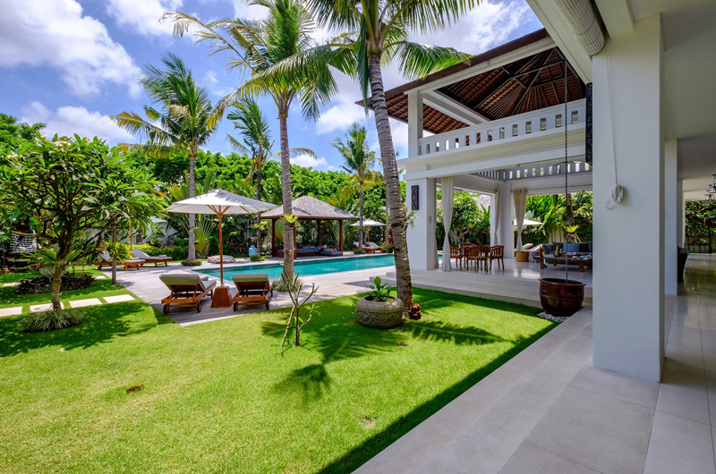 Villa Tjitrap Gardens and Pool, Seminyak | 6 Bedroom Villas Bali