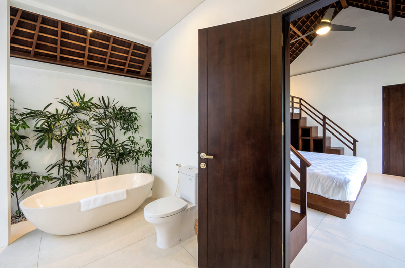 Villa Tjitrap Bedroom and En-Suite Bathroom, Seminyak | 6 Bedroom Villas Bali