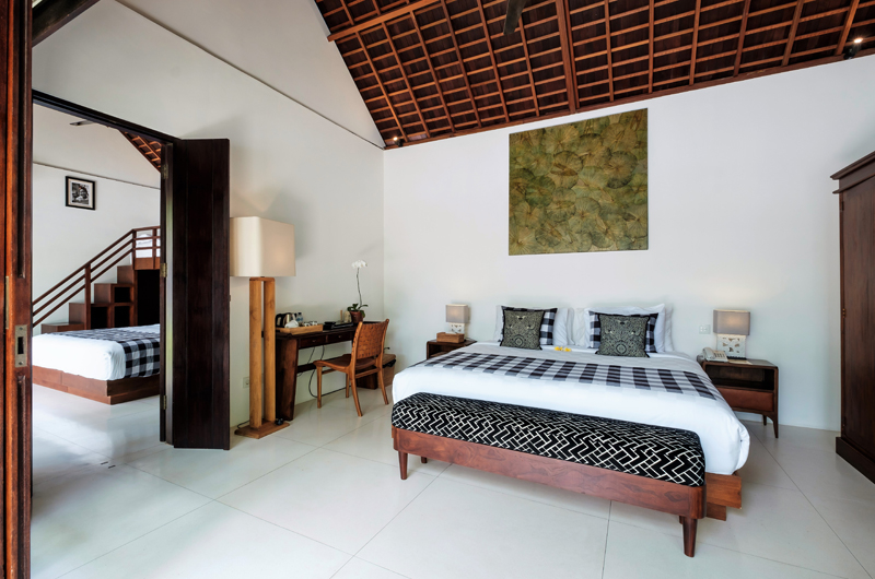 Villa Tjitrap Bedroom with Study Table, Seminyak | 6 Bedroom Villas Bali