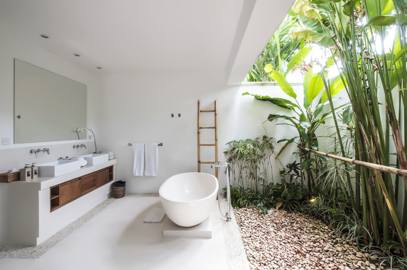Villa Tjitrap Semi Open Bathroom, Seminyak | 6 Bedroom Villas Bali