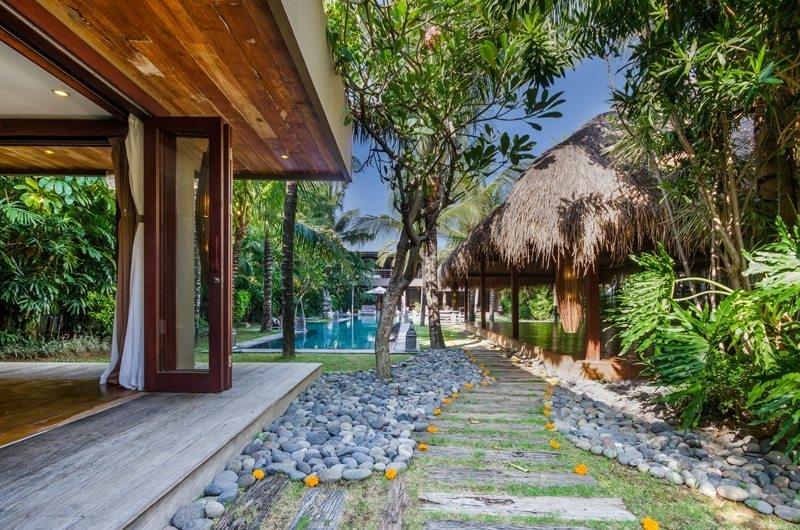 Villa Yoga Pathway, Seminyak   6 Bedroom Villas Bali