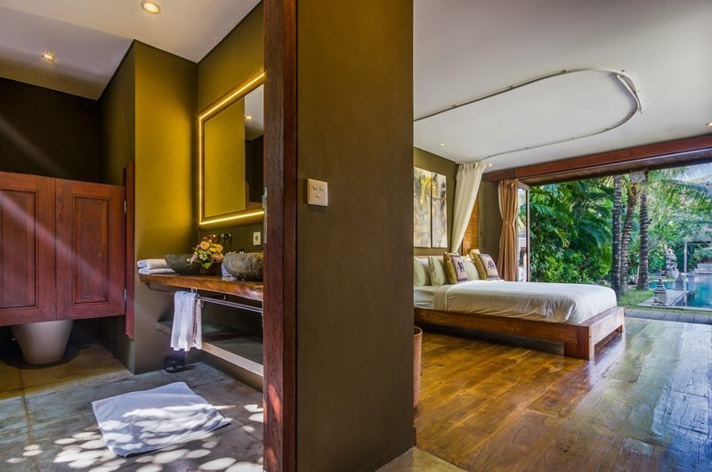 Villa Yoga Bedroom and En-Suite Bathroom, Seminyak | 6 Bedroom Villas Bali