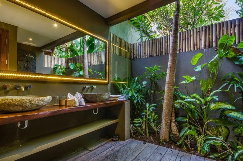 Villa Yoga En-Suite Bathroom, Seminyak | 6 Bedroom Villas Bali