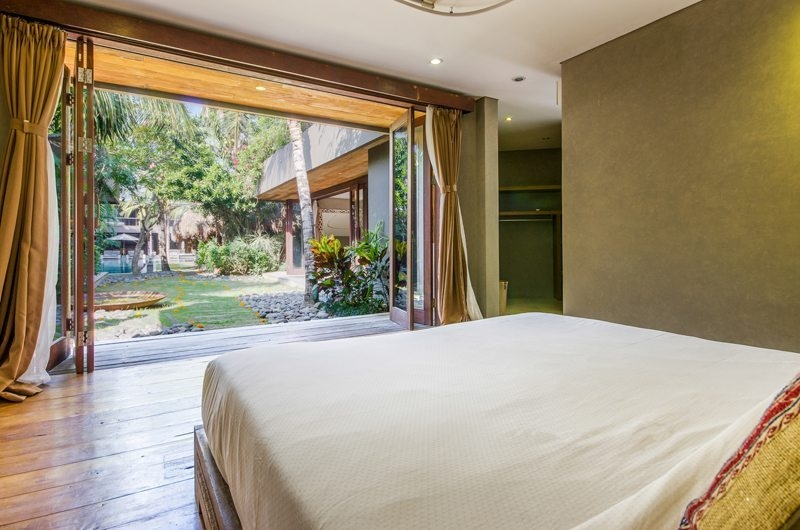 Villa Yoga Bedroom with Garden View, Seminyak | 6 Bedroom Villas Bali
