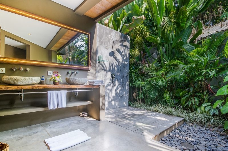 Villa Yoga Semi Open His and Hers Bathroom, Seminyak | 6 Bedroom Villas Bali