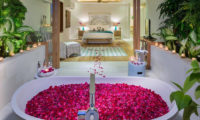 Villa Zambala Bedroom and En-Suite Bathroom, Canggu | 6 Bedroom Villas Bali