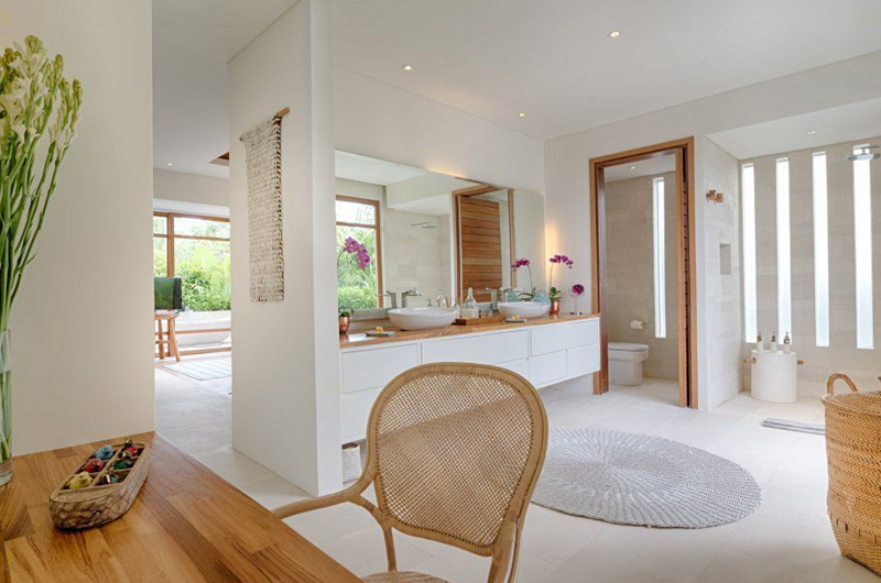 Villa Zambala En-Suite His and Hers Bathroom, Canggu | 6 Bedroom Villas Bali